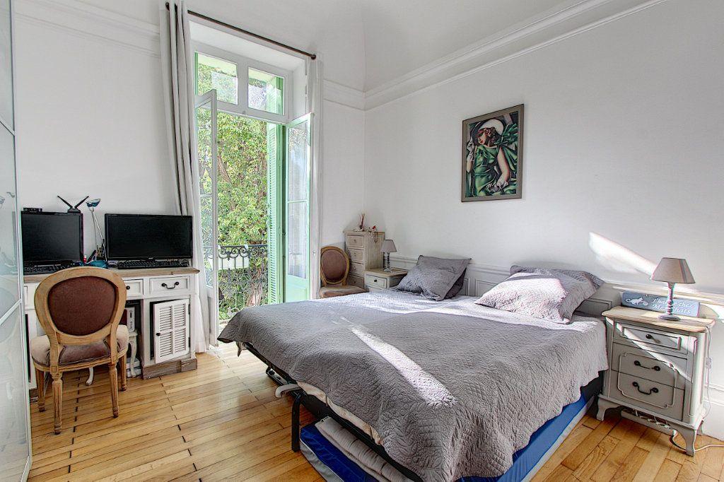 Appartement à vendre 3 103.37m2 à Cannes vignette-7