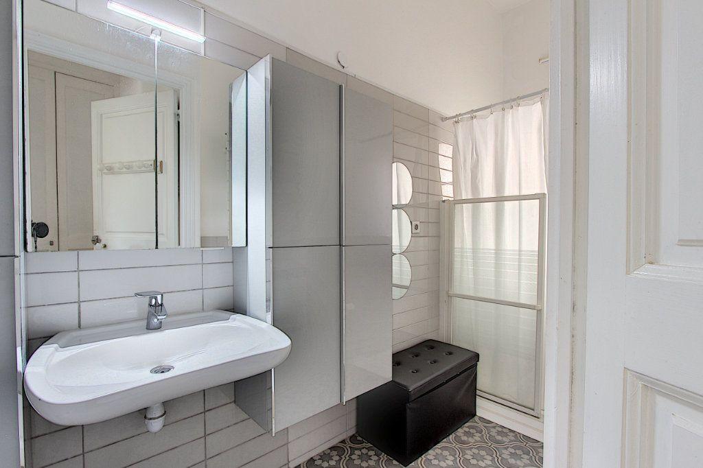 Appartement à vendre 3 103.37m2 à Cannes vignette-9