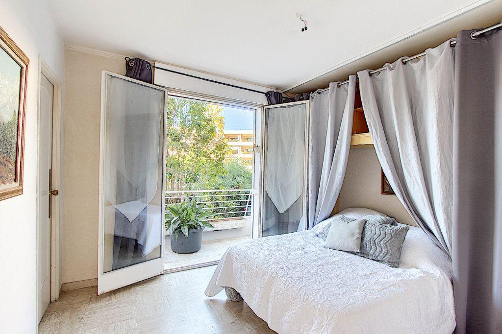Appartement à vendre 3 73m2 à Juan-les-Pins - Antibes vignette-6