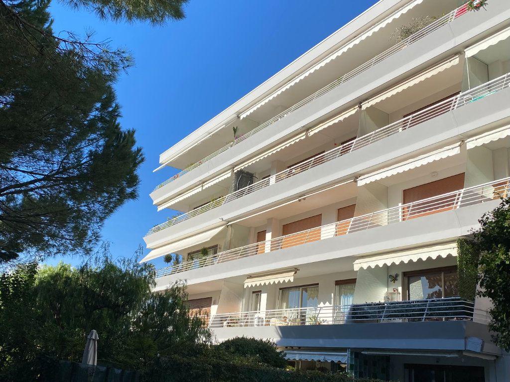Appartement à vendre 3 73m2 à Juan-les-Pins - Antibes vignette-11