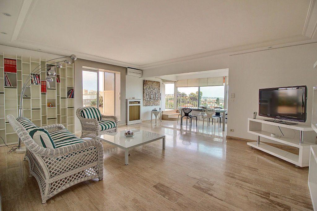 Appartement à vendre 4 140.22m2 à Antibes vignette-3