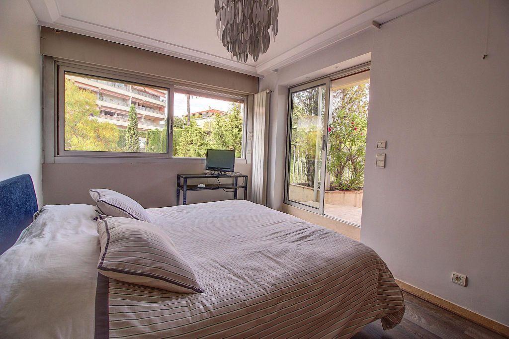 Appartement à vendre 4 140.22m2 à Antibes vignette-7