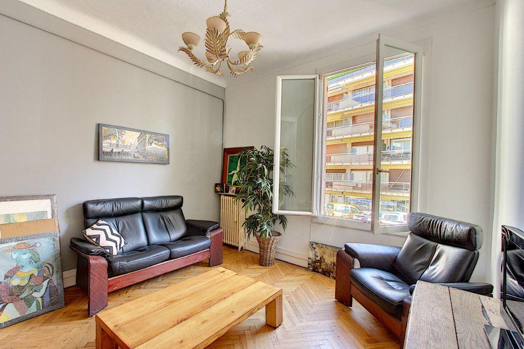 Appartement à vendre 3 68m2 à Juan-les-Pins - Antibes vignette-1