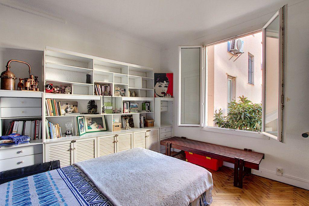 Appartement à vendre 3 68m2 à Juan-les-Pins - Antibes vignette-5