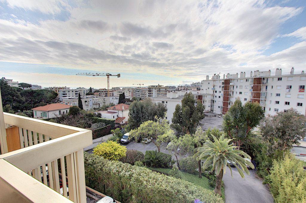 Appartement à vendre 3 73.77m2 à Juan-les-Pins - Antibes vignette-8