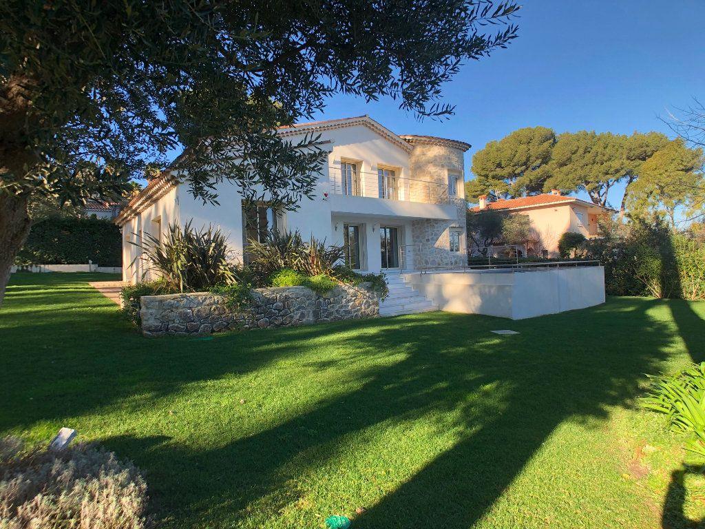 Maison à vendre 6 230m2 à Antibes vignette-1