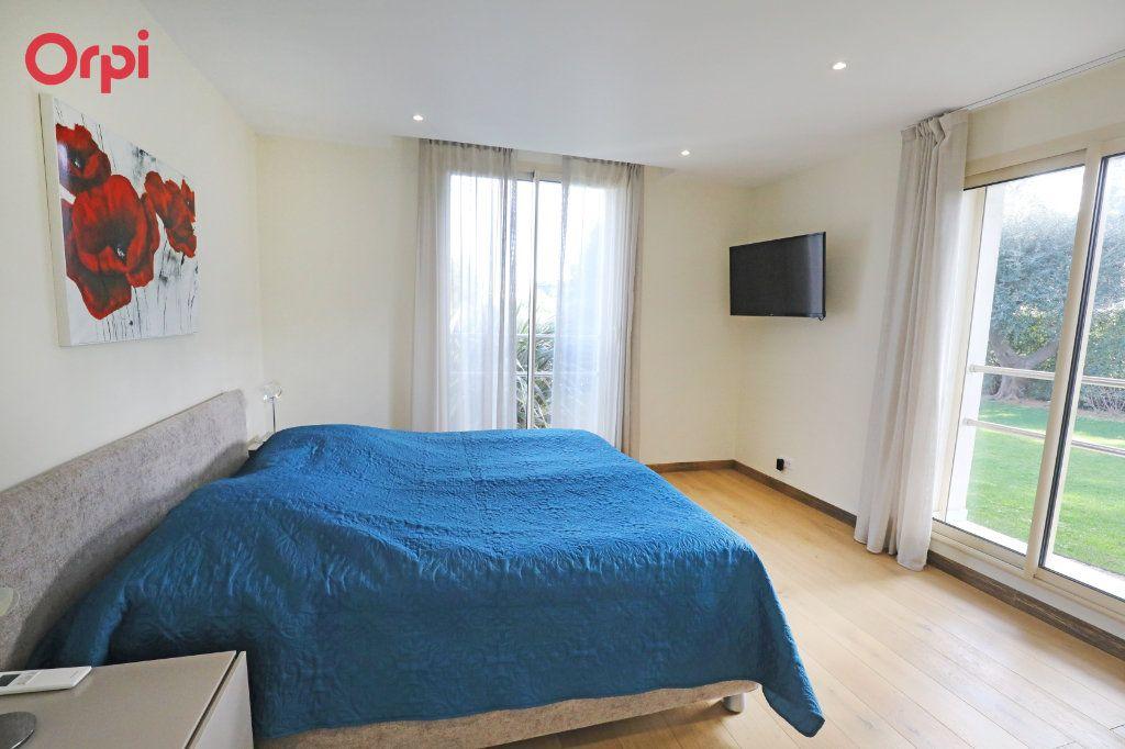 Maison à vendre 6 230m2 à Antibes vignette-5