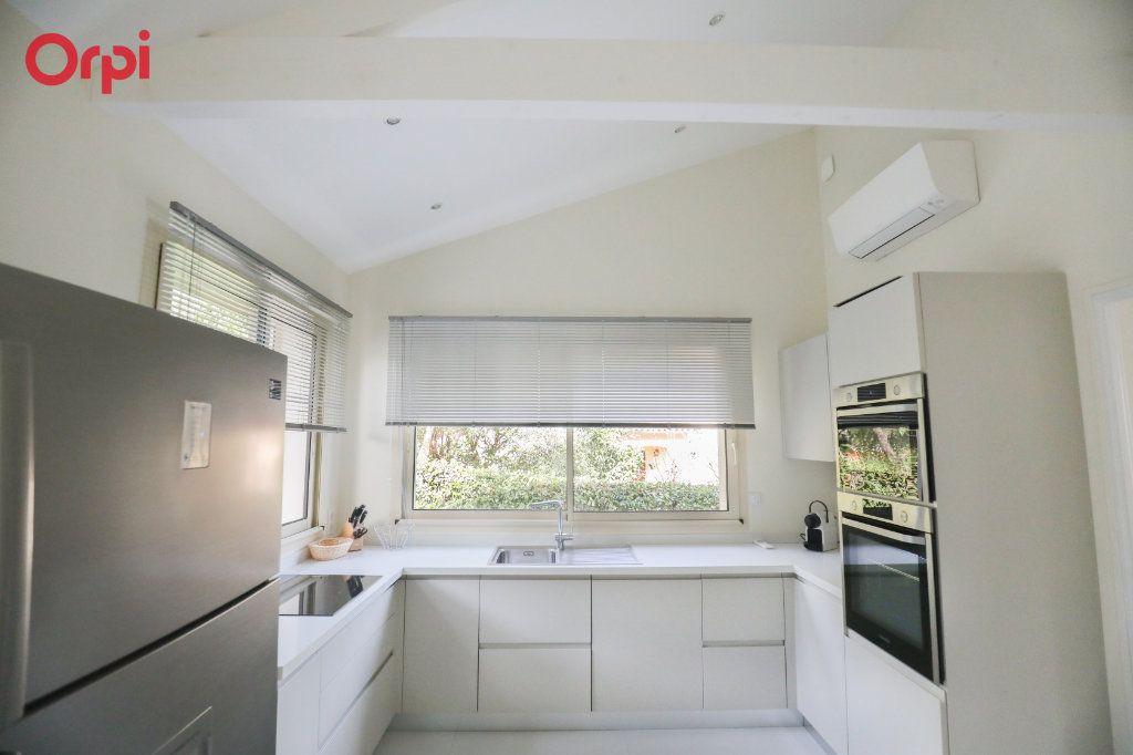 Maison à vendre 6 230m2 à Antibes vignette-8