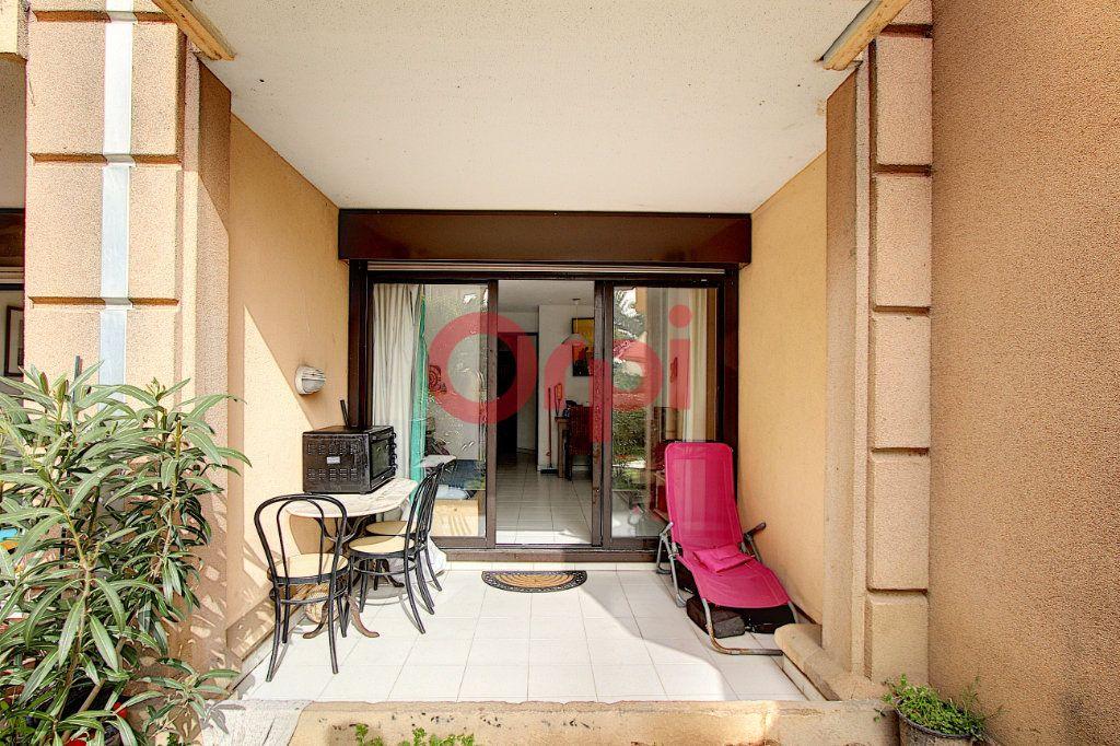 Appartement à vendre 2 27m2 à Cannes vignette-1