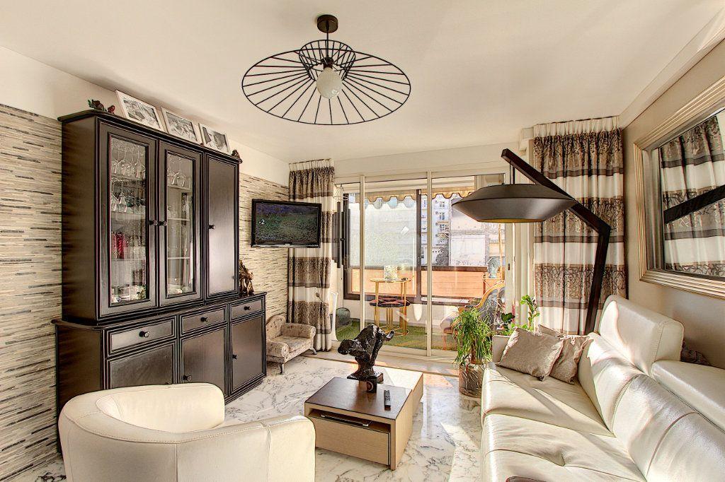 Appartement à vendre 1 42m2 à Juan-les-Pins - Antibes vignette-1
