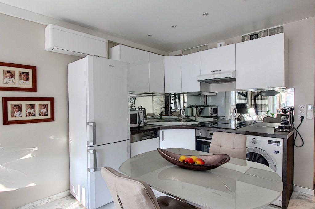 Appartement à vendre 1 42m2 à Juan-les-Pins - Antibes vignette-3