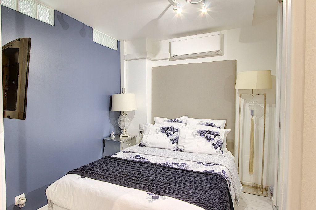 Appartement à vendre 1 42m2 à Juan-les-Pins - Antibes vignette-4