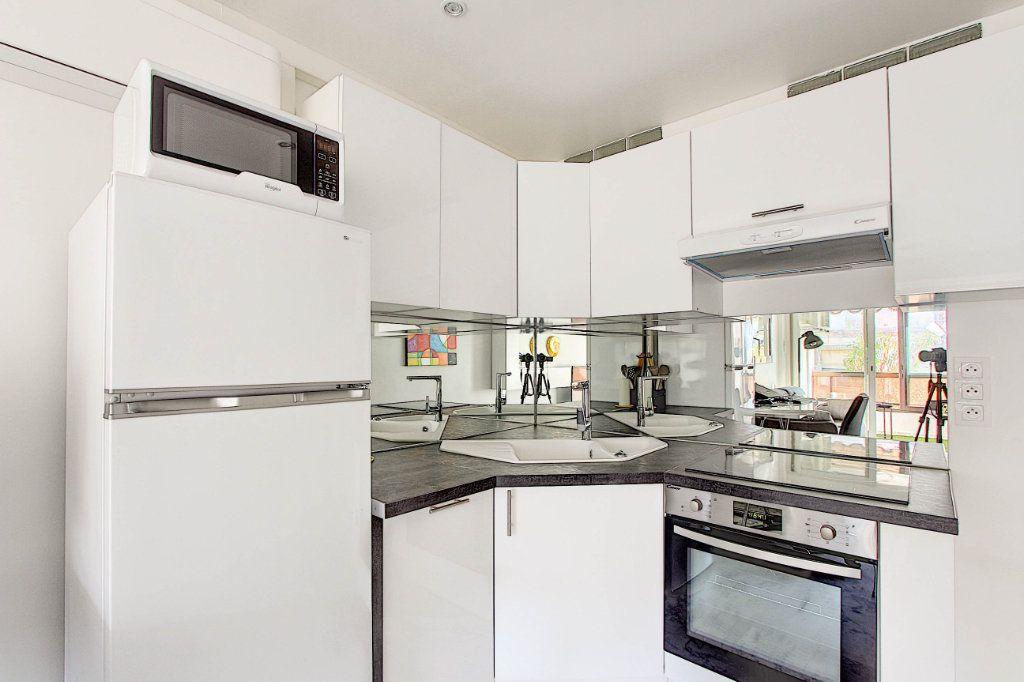 Appartement à vendre 1 31m2 à Juan-les-Pins - Antibes vignette-2
