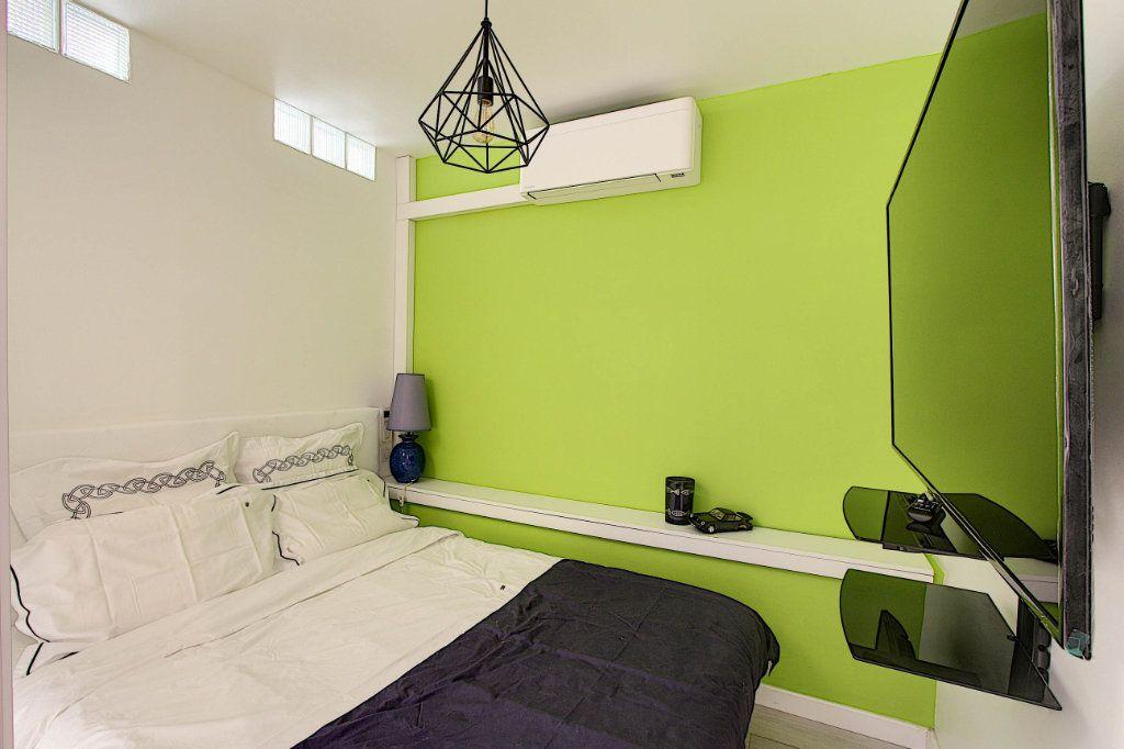 Appartement à vendre 1 31m2 à Juan-les-Pins - Antibes vignette-3