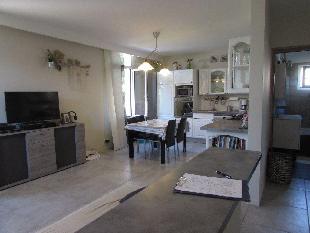 Appartement à vendre 3 62.11m2 à Grasse vignette-3