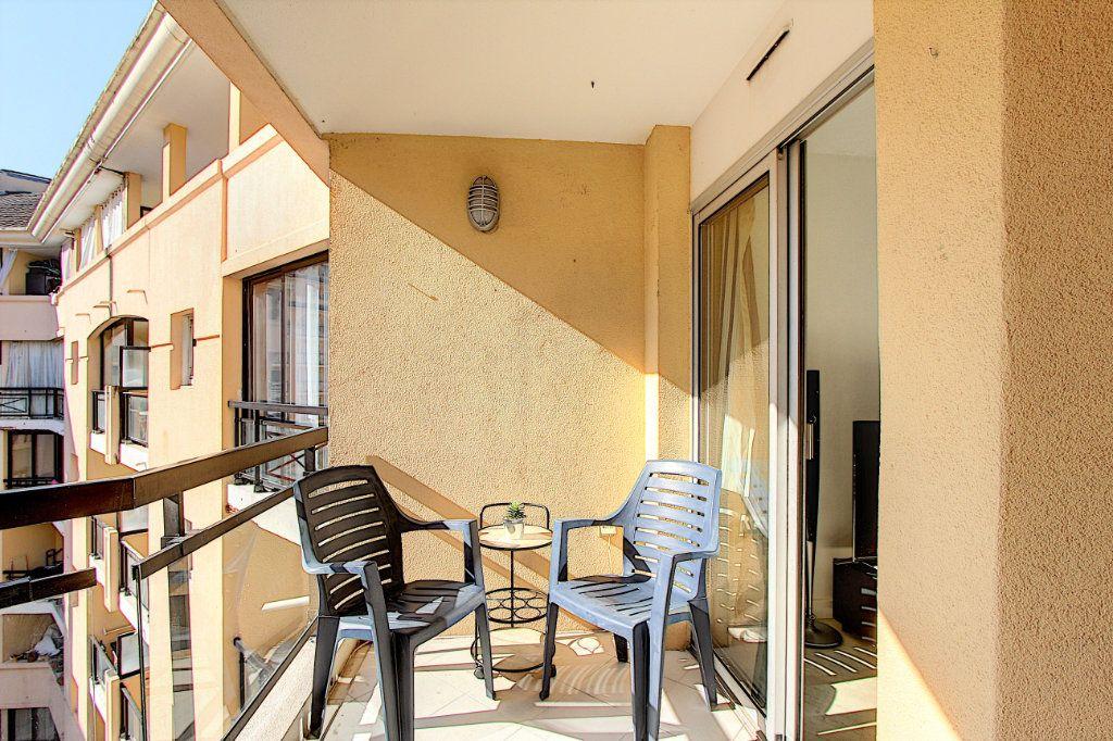 Appartement à vendre 2 37.81m2 à Cannes vignette-2