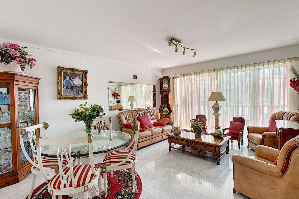 Appartement à vendre 3 86.92m2 à Juan-les-Pins - Antibes vignette-1