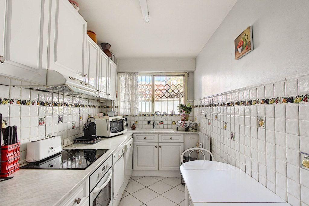 Appartement à vendre 3 86.92m2 à Juan-les-Pins - Antibes vignette-2
