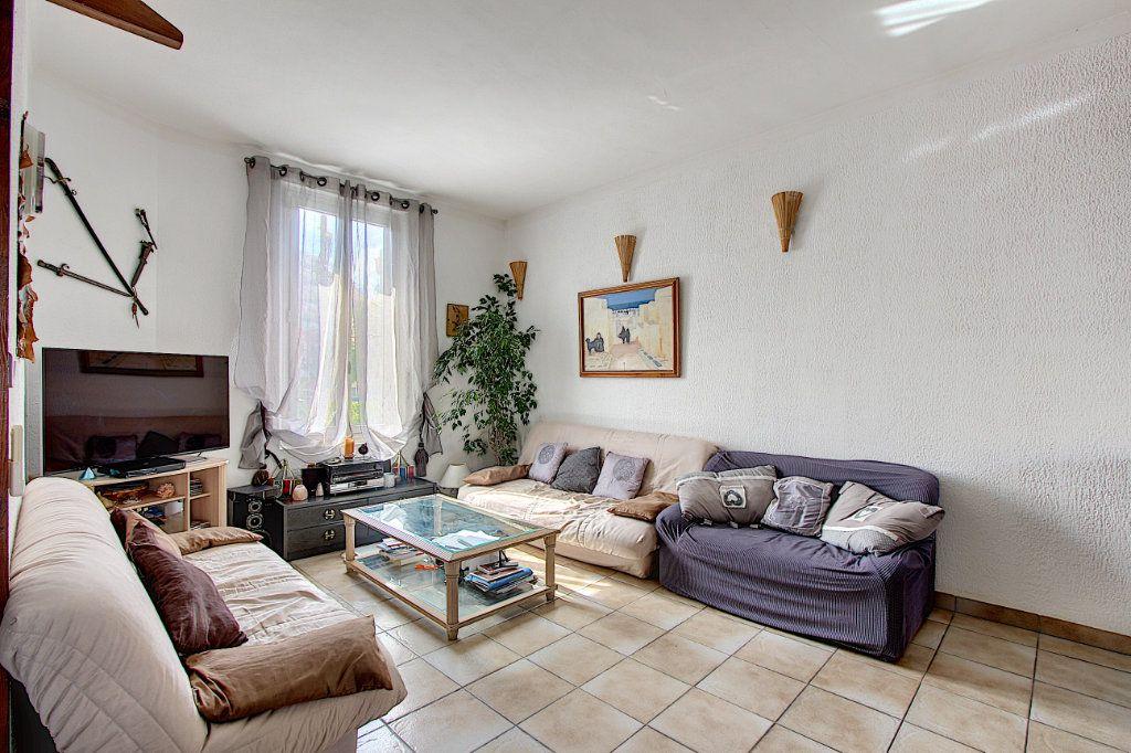 Appartement à vendre 3 60.58m2 à Antibes vignette-1