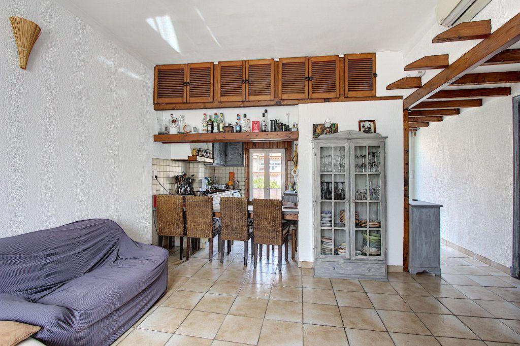 Appartement à vendre 3 60.58m2 à Antibes vignette-2
