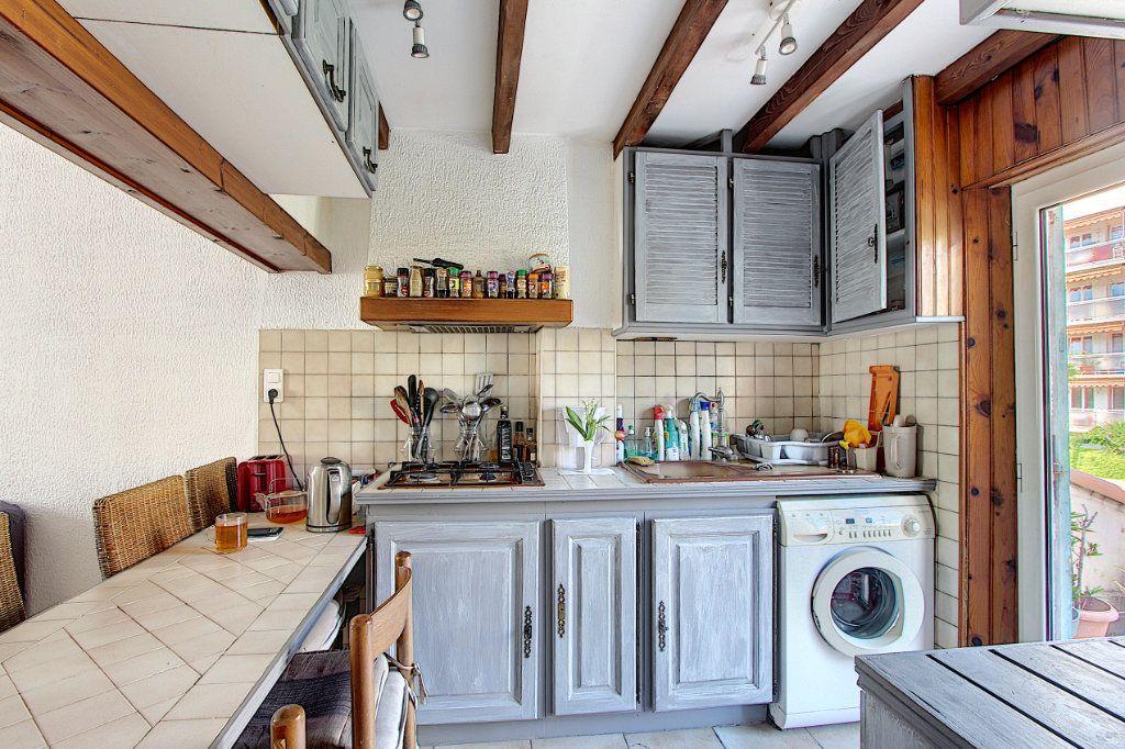 Appartement à vendre 3 60.58m2 à Antibes vignette-3