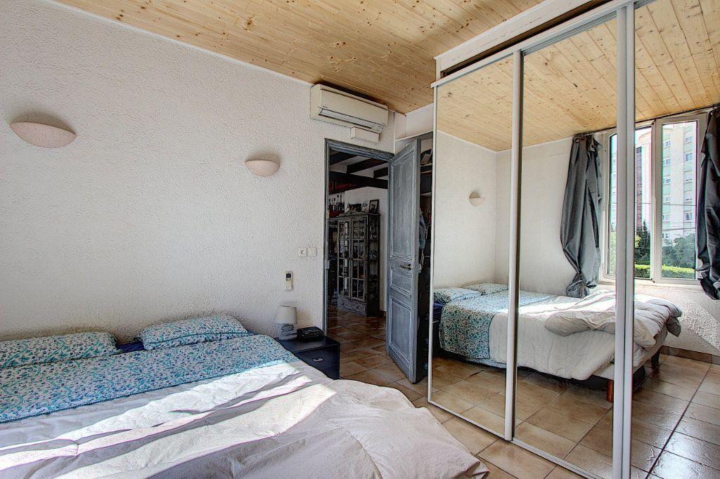Appartement à vendre 3 60.58m2 à Antibes vignette-6