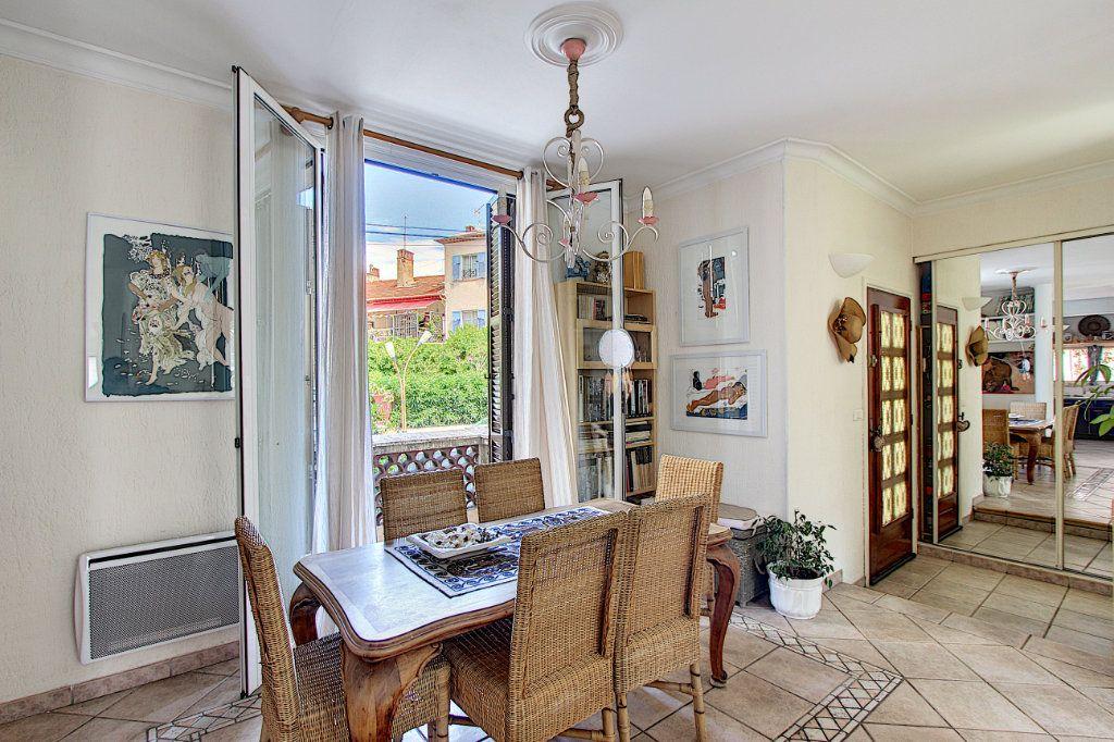 Maison à vendre 5 129.42m2 à Juan-les-Pins - Antibes vignette-2