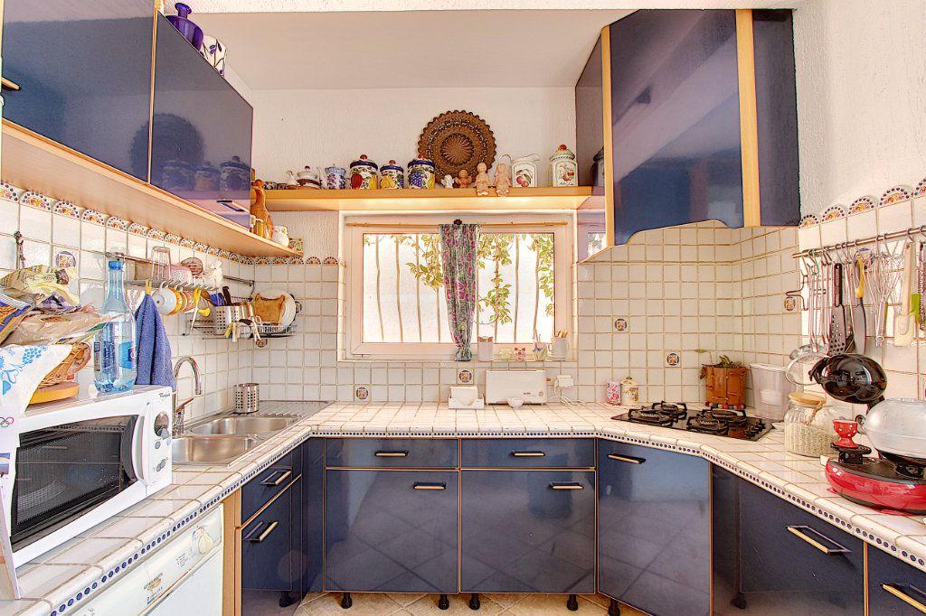 Maison à vendre 5 129.42m2 à Juan-les-Pins - Antibes vignette-3