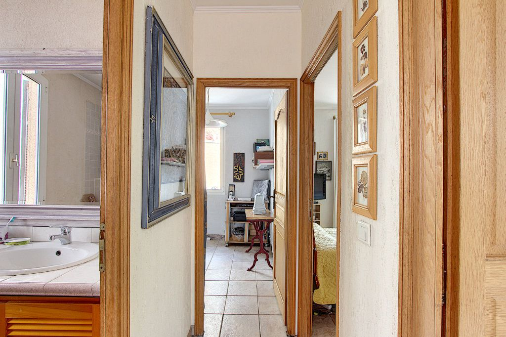 Maison à vendre 5 129.42m2 à Juan-les-Pins - Antibes vignette-4