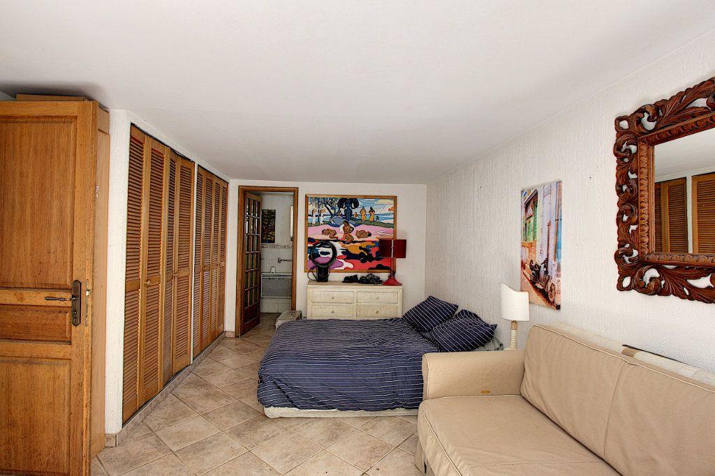 Maison à vendre 5 129.42m2 à Juan-les-Pins - Antibes vignette-9