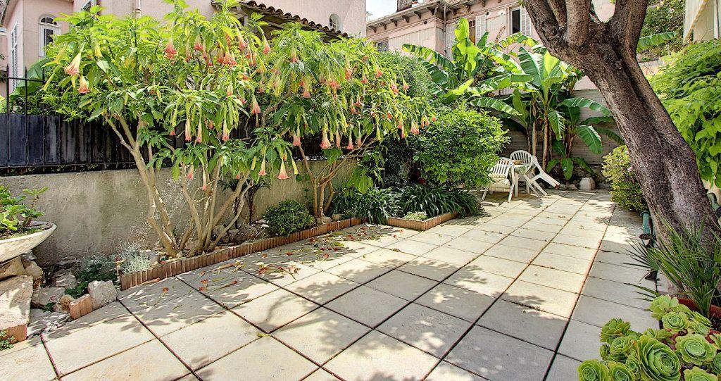 Maison à vendre 5 129.42m2 à Juan-les-Pins - Antibes vignette-11