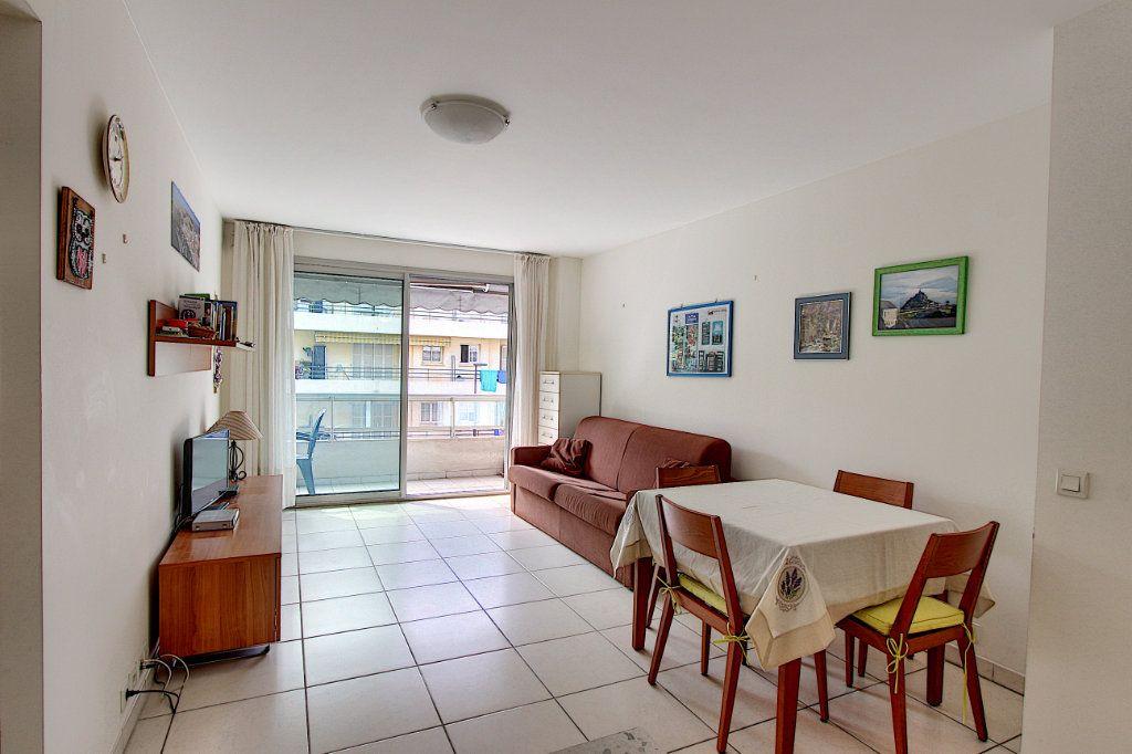 Appartement à vendre 2 42m2 à Juan-les-Pins - Antibes vignette-2