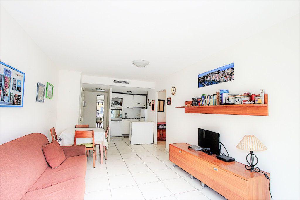 Appartement à vendre 2 42m2 à Juan-les-Pins - Antibes vignette-3