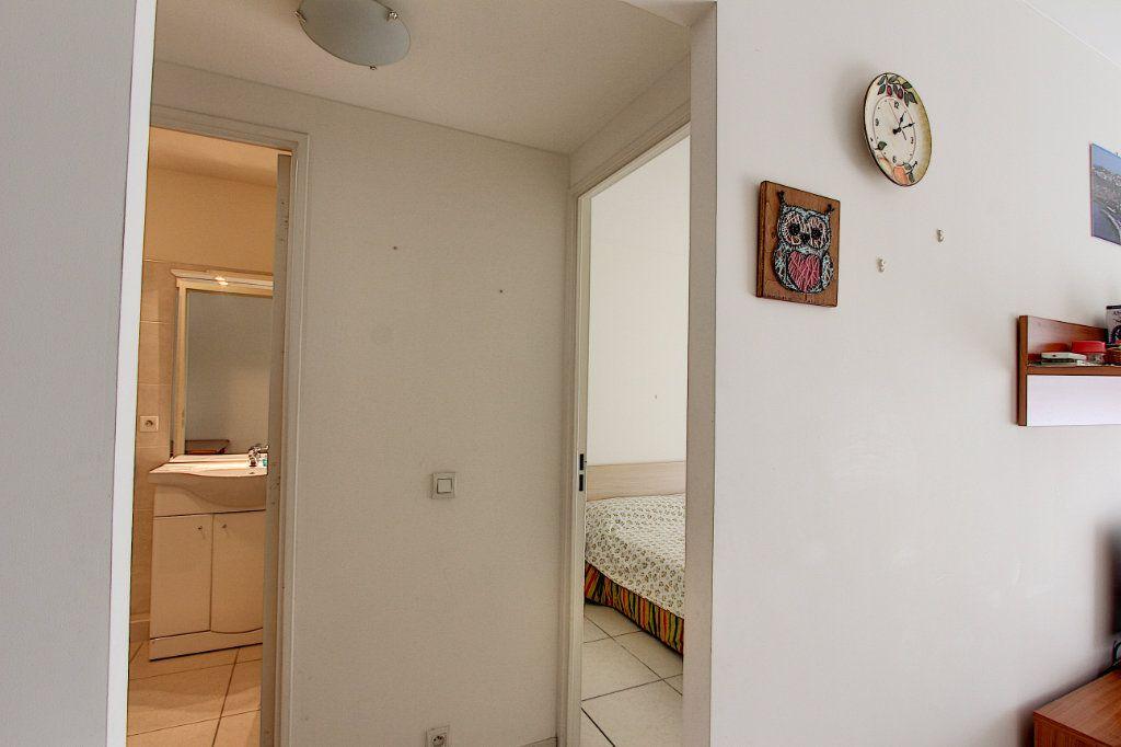 Appartement à vendre 2 42m2 à Juan-les-Pins - Antibes vignette-5