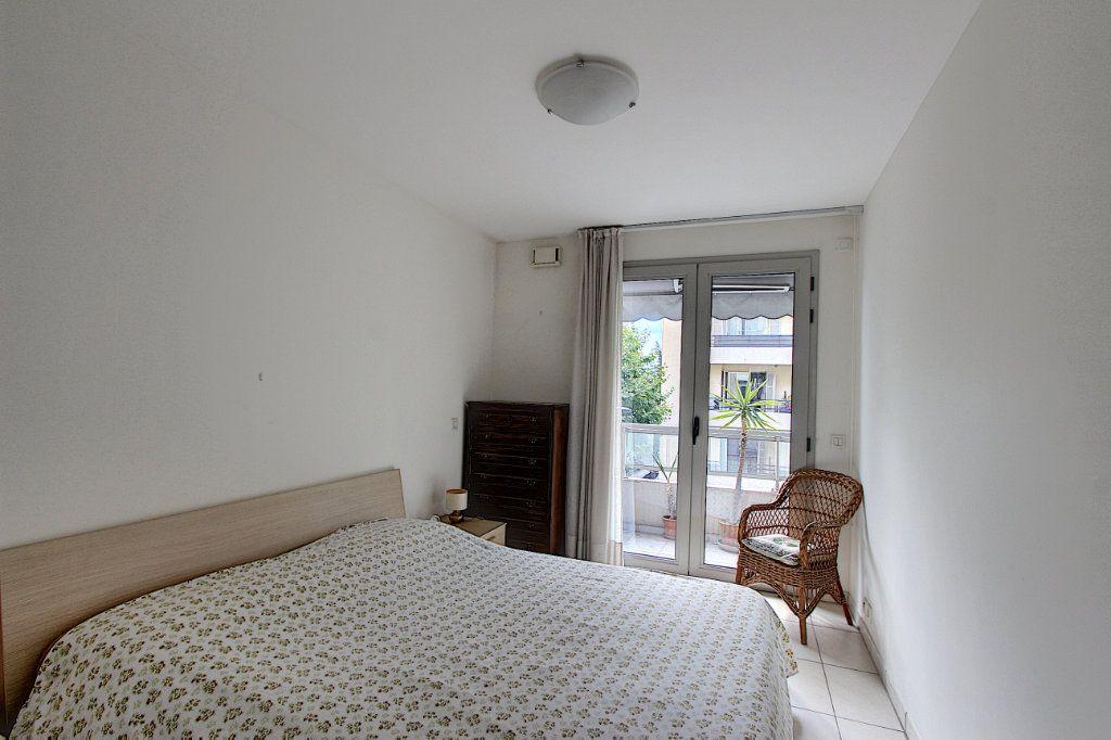Appartement à vendre 2 42m2 à Juan-les-Pins - Antibes vignette-6
