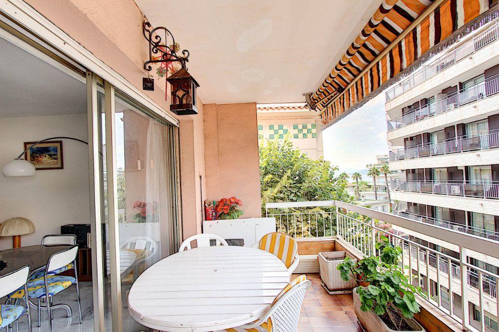 Appartement à vendre 4 89.7m2 à Juan-les-Pins - Antibes vignette-1