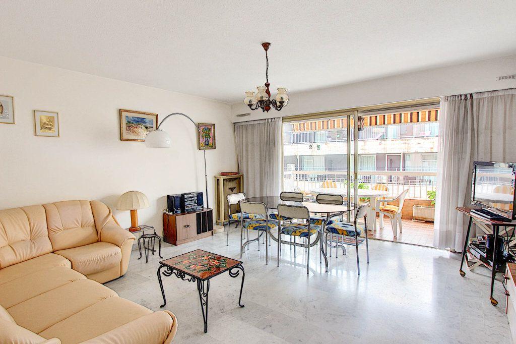 Appartement à vendre 4 89.7m2 à Juan-les-Pins - Antibes vignette-2