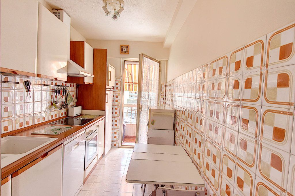 Appartement à vendre 4 89.7m2 à Juan-les-Pins - Antibes vignette-3