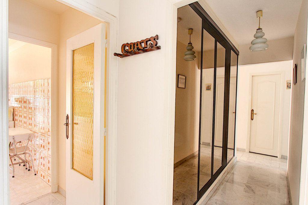 Appartement à vendre 4 89.7m2 à Juan-les-Pins - Antibes vignette-4