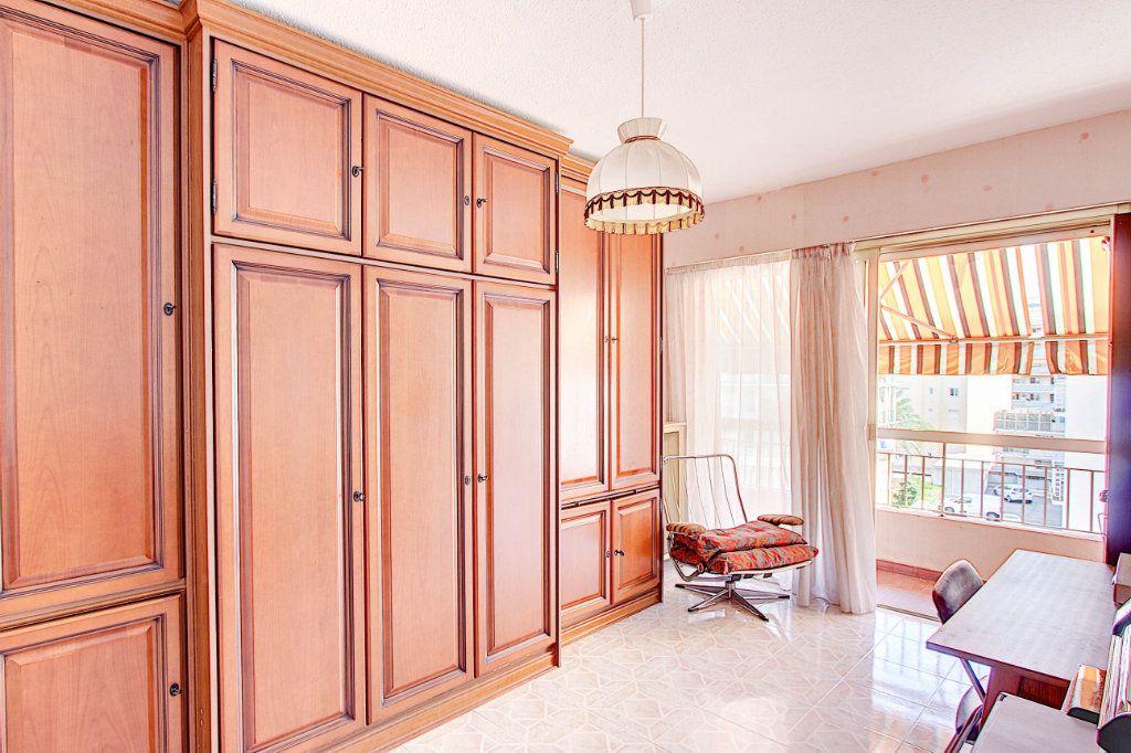 Appartement à vendre 4 89.7m2 à Juan-les-Pins - Antibes vignette-5