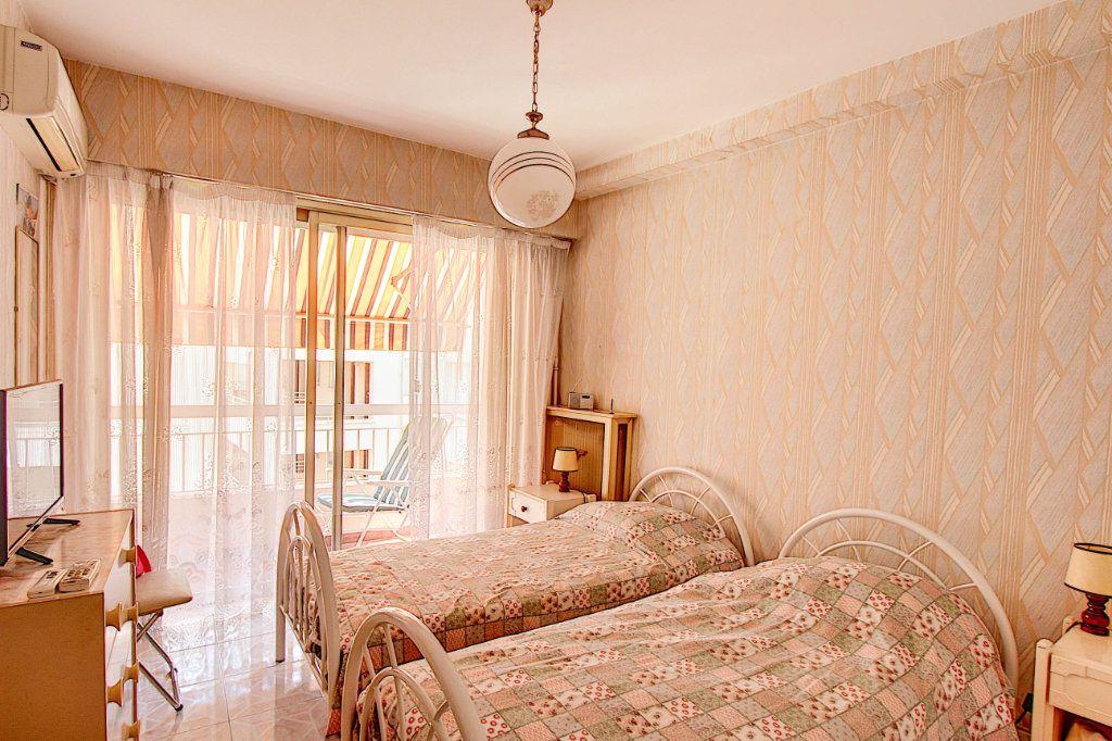 Appartement à vendre 4 89.7m2 à Juan-les-Pins - Antibes vignette-6