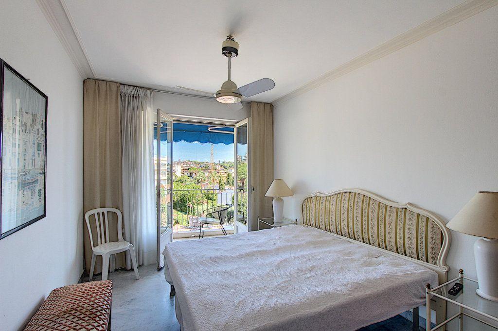 Appartement à vendre 2 62m2 à Juan-les-Pins - Antibes vignette-3