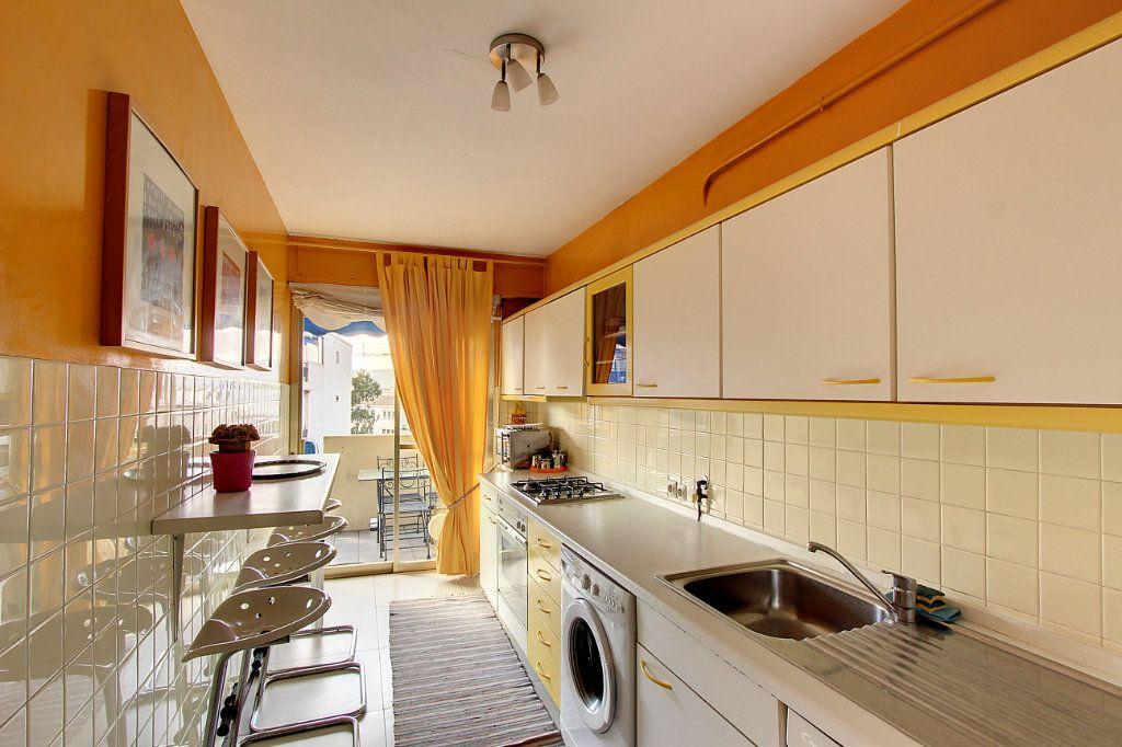 Appartement à vendre 2 62m2 à Juan-les-Pins - Antibes vignette-4