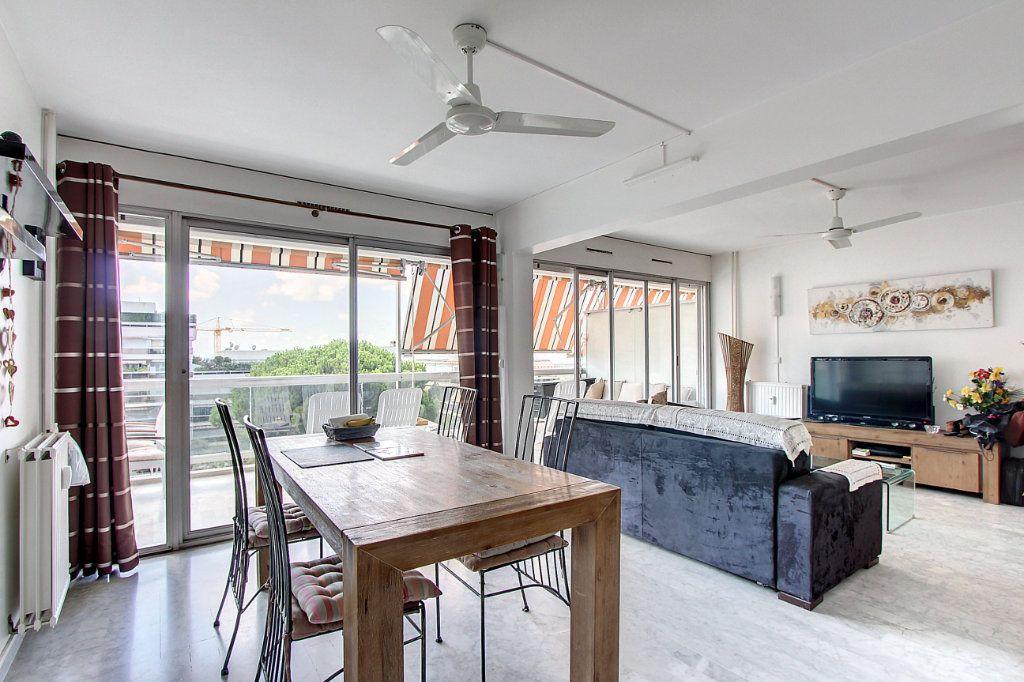 Appartement à vendre 4 81.68m2 à Juan-les-Pins - Antibes vignette-3