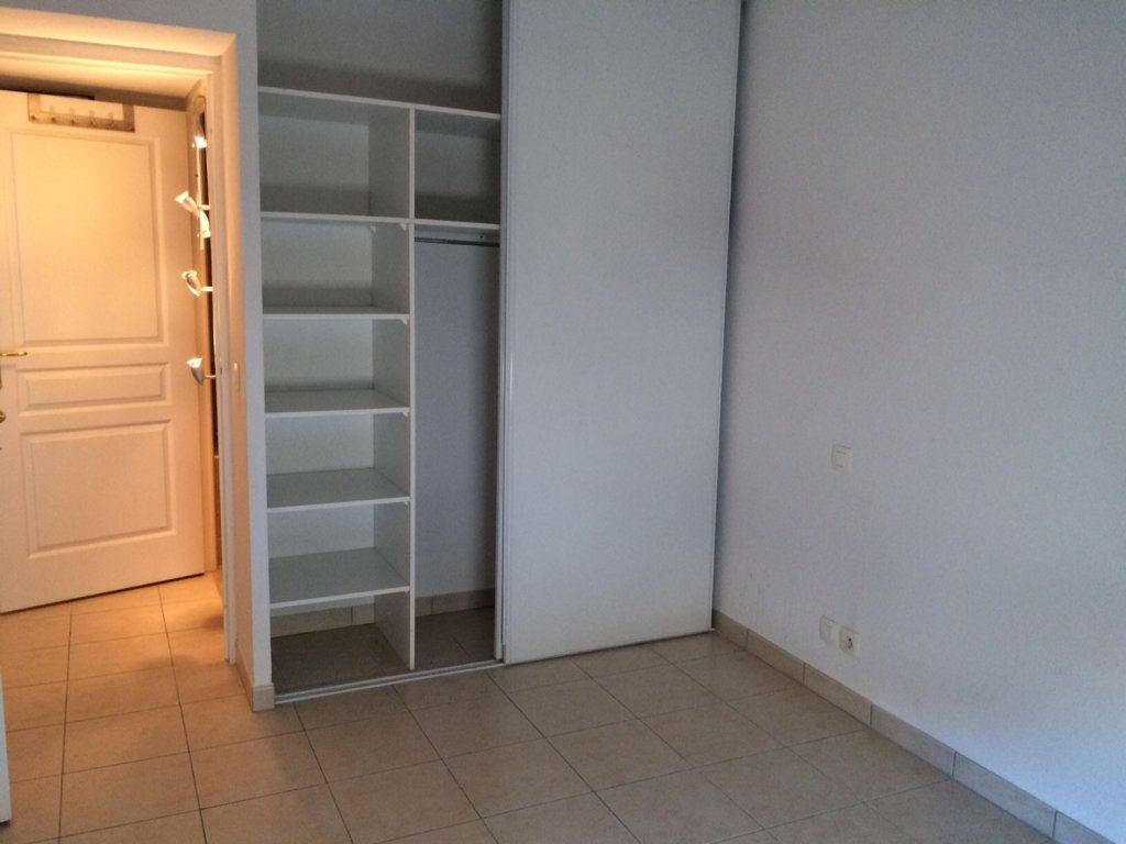 Appartement à louer 3 67.21m2 à Vallauris vignette-5