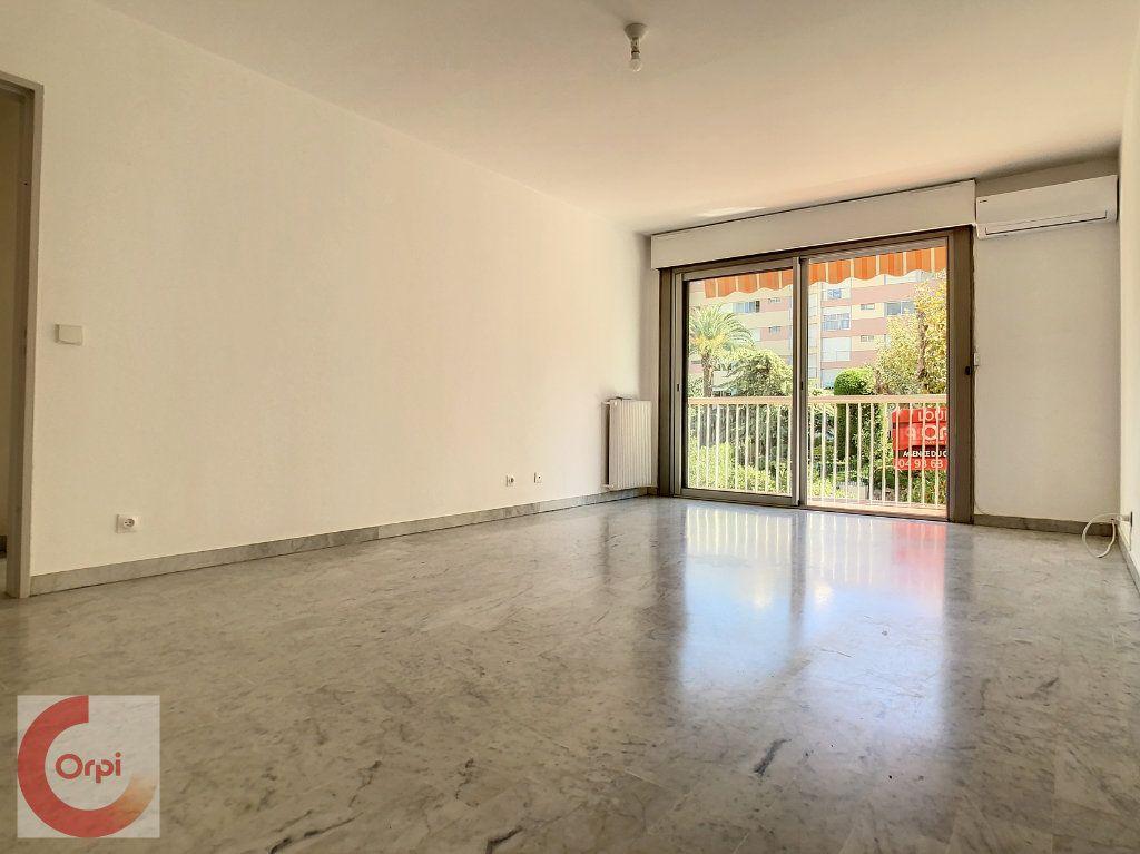 Appartement à louer 2 51.25m2 à Vallauris vignette-2