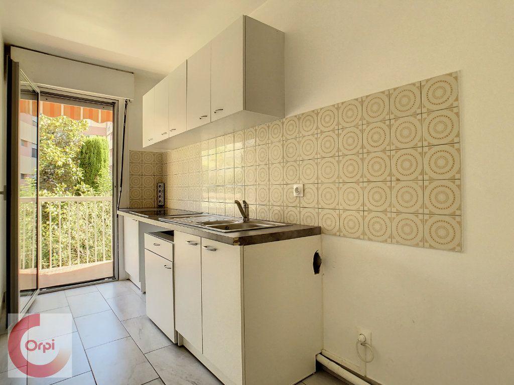 Appartement à louer 2 51.25m2 à Vallauris vignette-3
