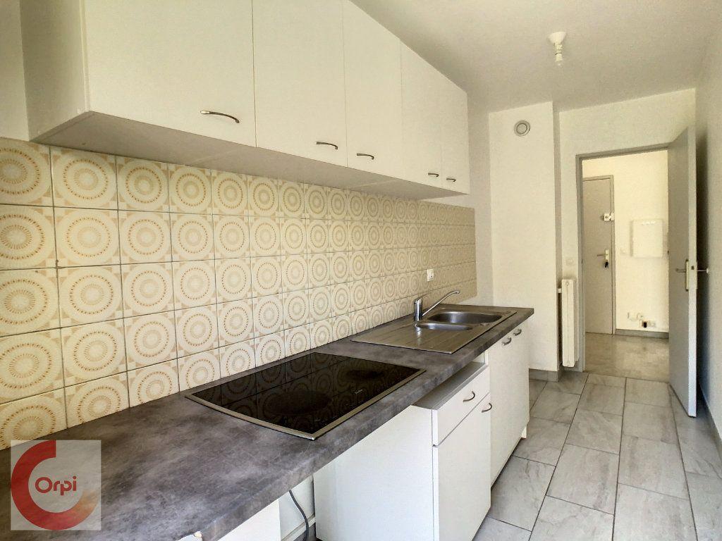 Appartement à louer 2 51.25m2 à Vallauris vignette-5
