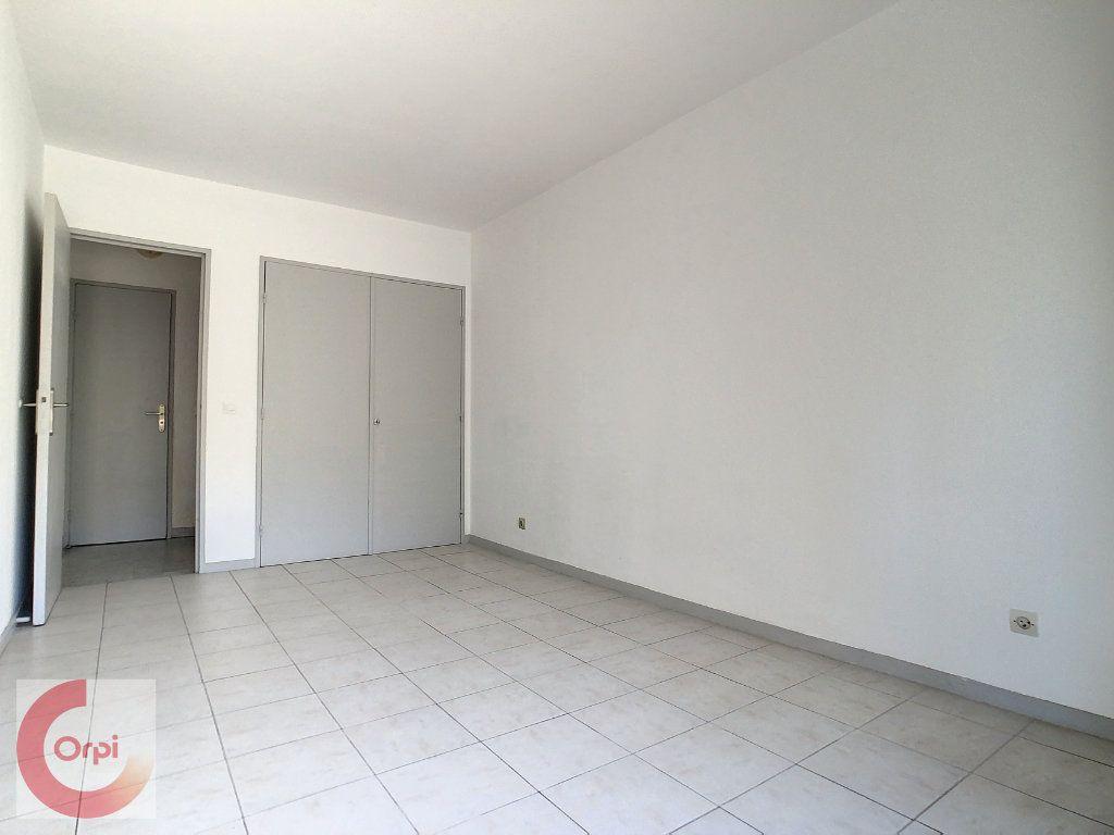 Appartement à louer 2 51.25m2 à Vallauris vignette-6
