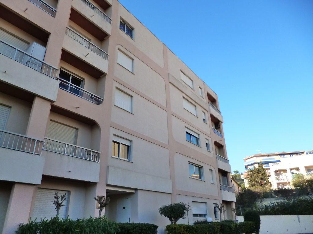 Appartement à louer 1 24m2 à Vallauris vignette-1